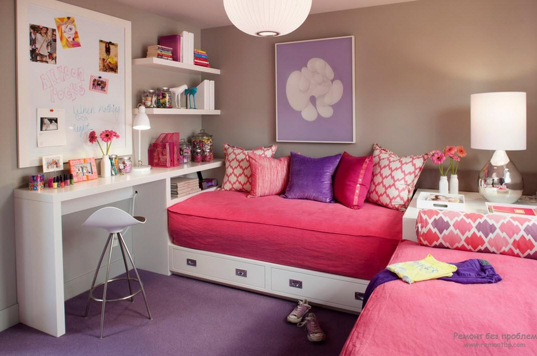 Красивая кровать в детской