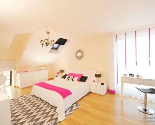 Красивая розовая спальная комната