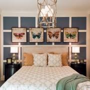 Картины с бабочками у кровати