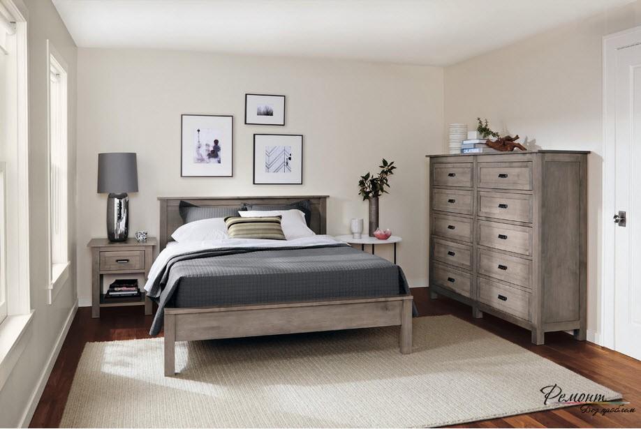 Прекрасно освещенная спальня