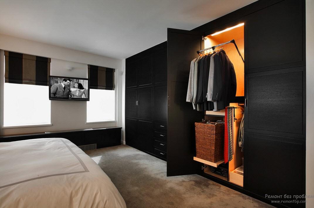 Модель шкафа с выдвижной корзиной