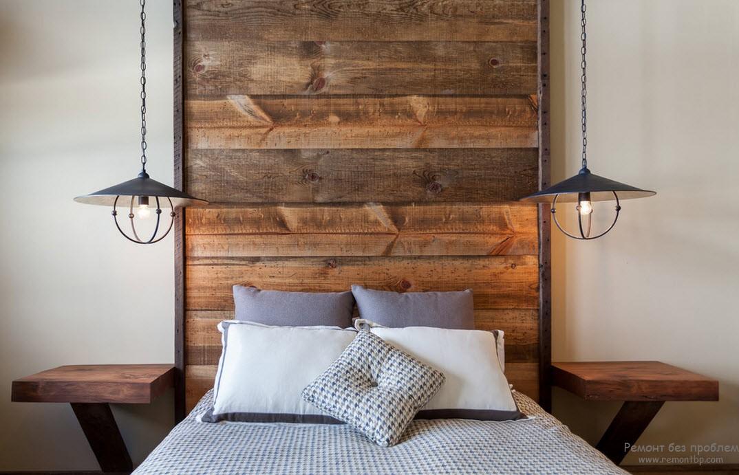 Красивая деревянная спальня
