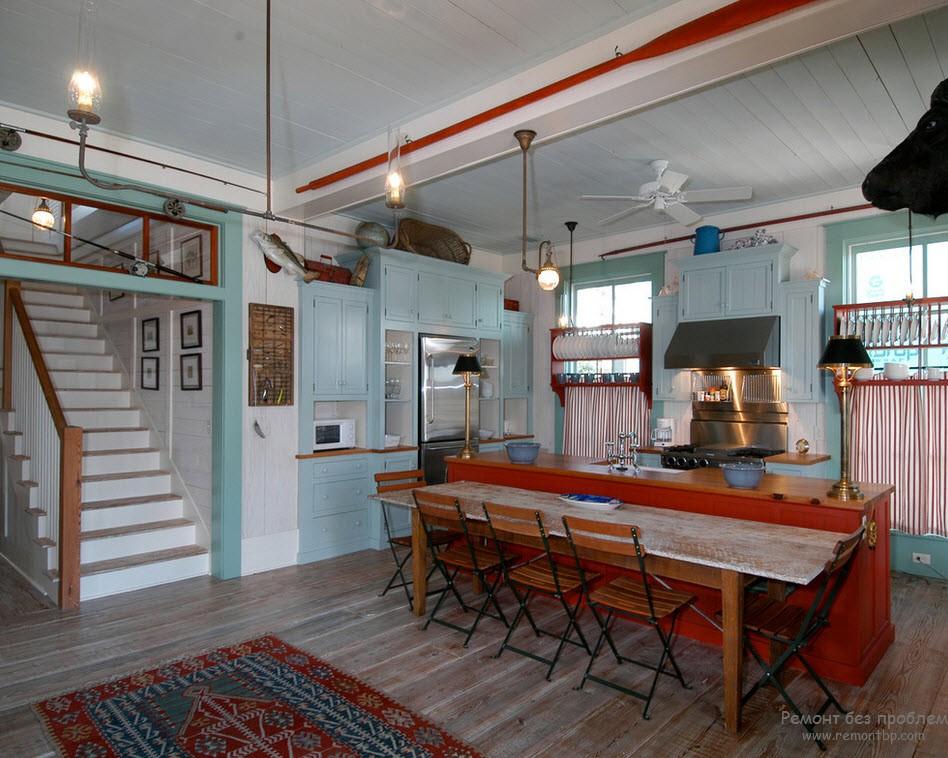 Интерьер кухни, оформленный в морском стиле