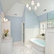 Ванная в небесно-голубом цвете