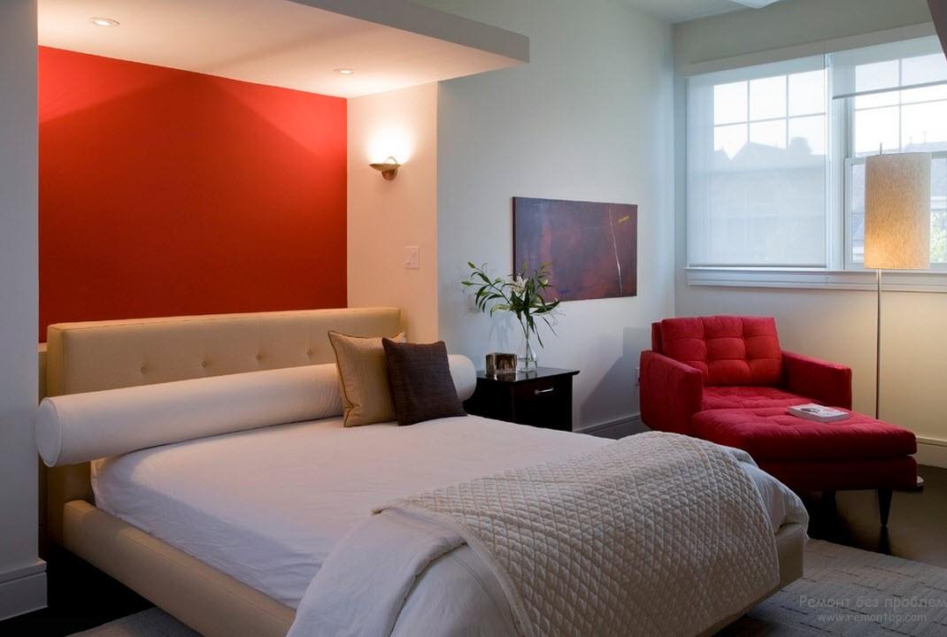 Бордовий колір в спальні
