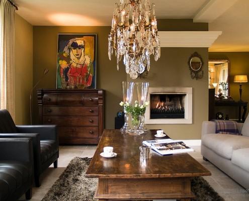 Комната с разными оттенкам оливкового