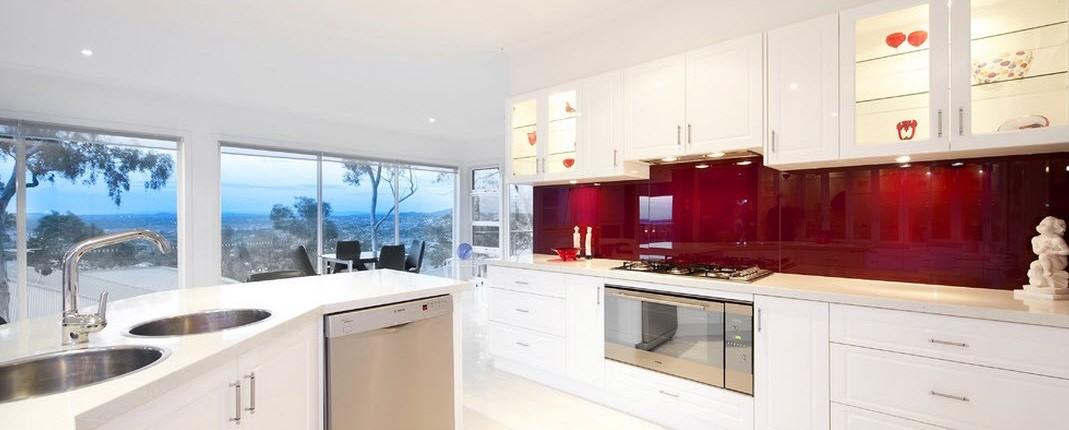 Бордовый цвет в интерьере квартиры: правила сочетания и психология дизайна