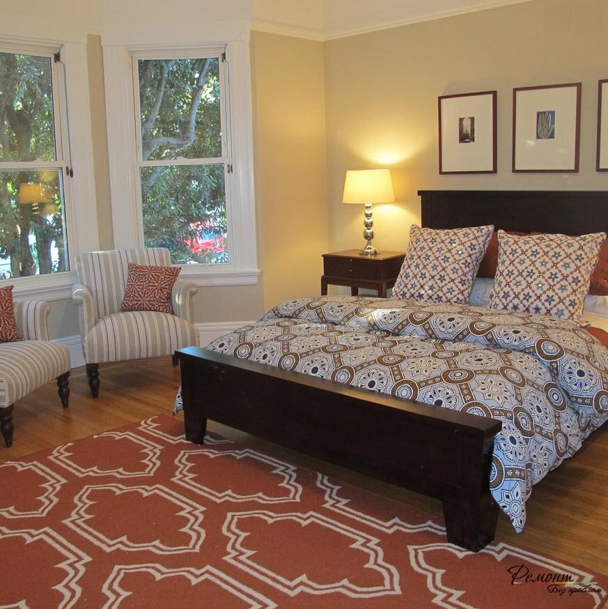 Гармоничная и просторная спальня
