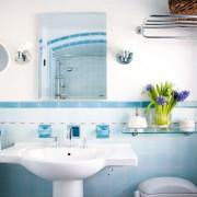 Легкость и свежесть голубой ванны