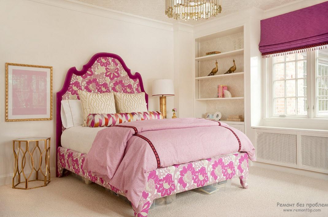 Розовый дизайн кровати
