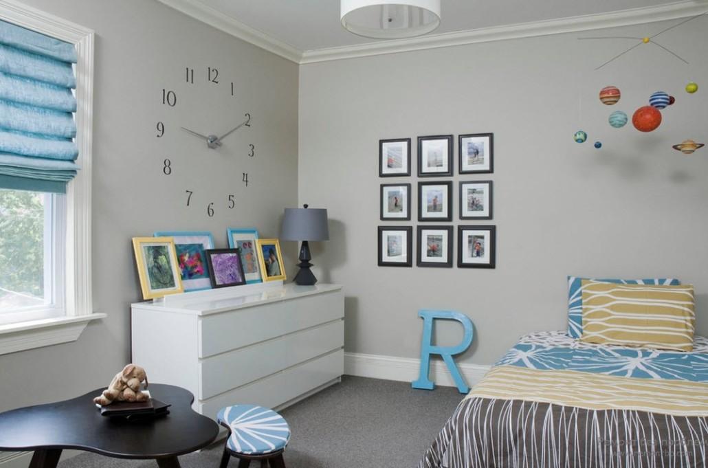 Дизайн комнаты с часами