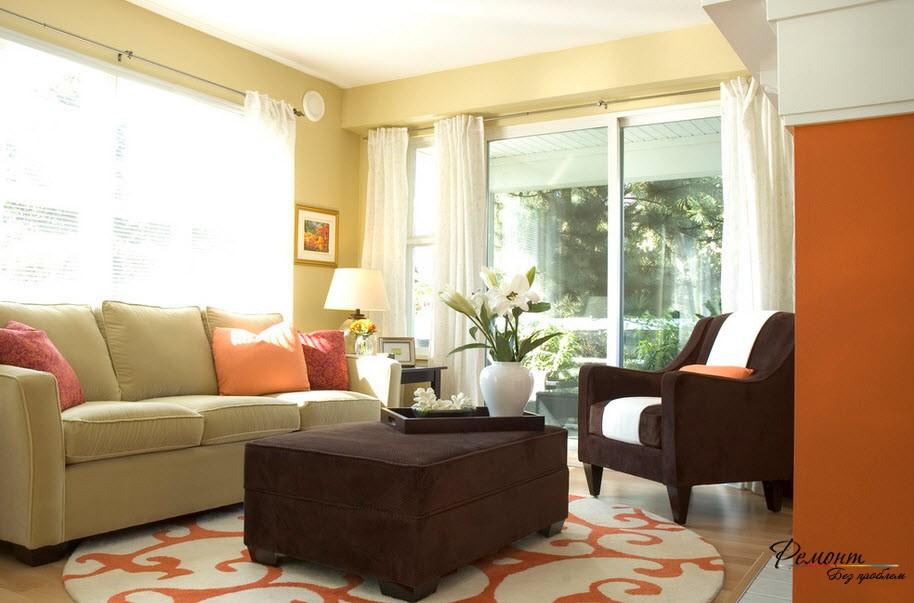 Теплый плотный ковер согревает комнату