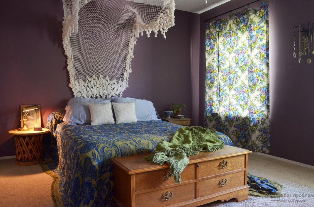 Красивая фиолетовая спальная комната