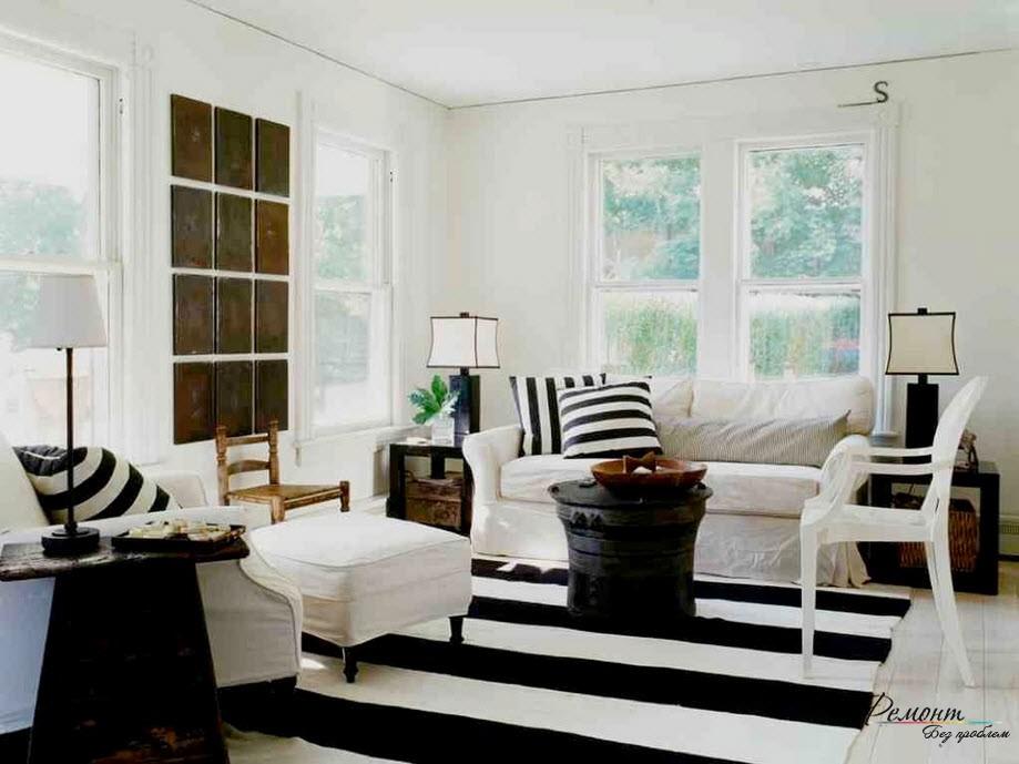 Строгость и лаконичность черно-белого интерьера