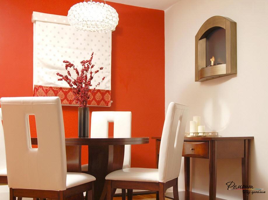 Темно-оранжевый акцент в белом интерьере