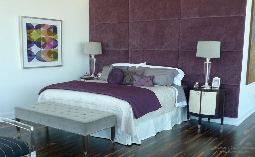 Отделка стен фиолетовым цветом