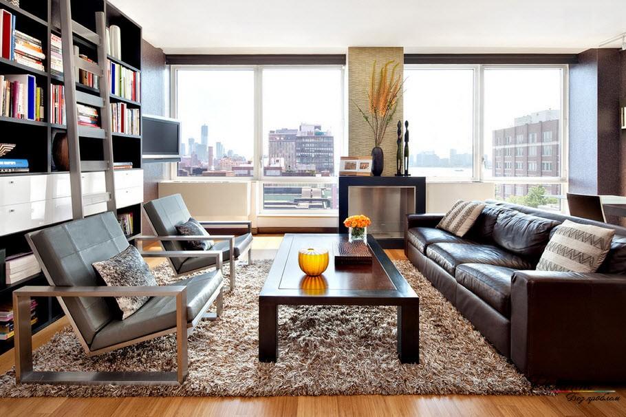 Ковер подчеркивает деловой строгий стиль и объединяет мебель воедино