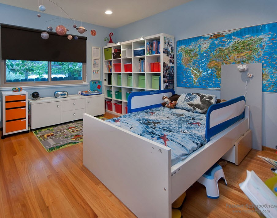 Ламинат - удобное напольное покрытие для комнаты мальчика