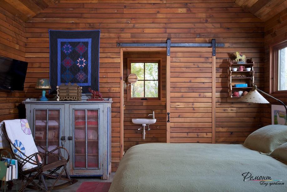Оформление дверного проема в спальне