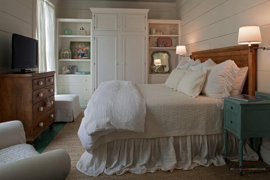 Светлые тона скандинавской спальни