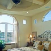 Нестандартные формы: окно в виде арки