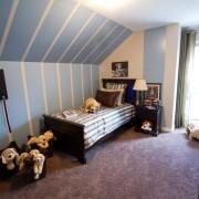 Интерьер комнаты для маленького мальчика в голубом цвете