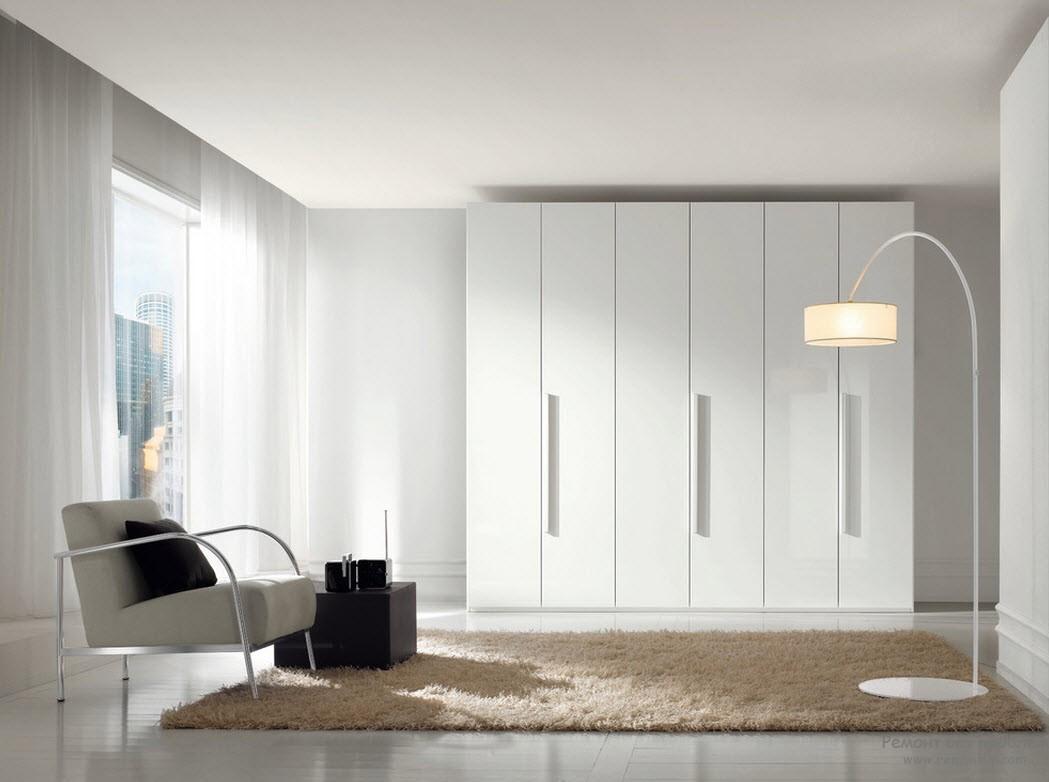 Интерьер в стиле минимализма со шкафом-купе
