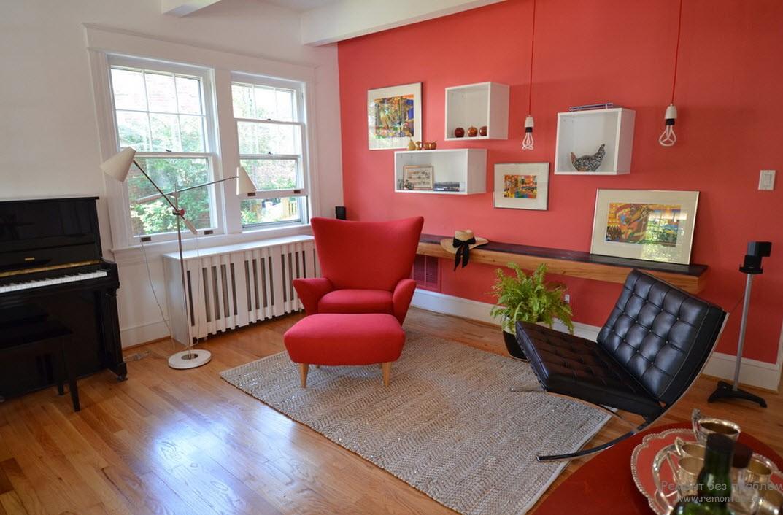 Красная и черная мебель в гостиной