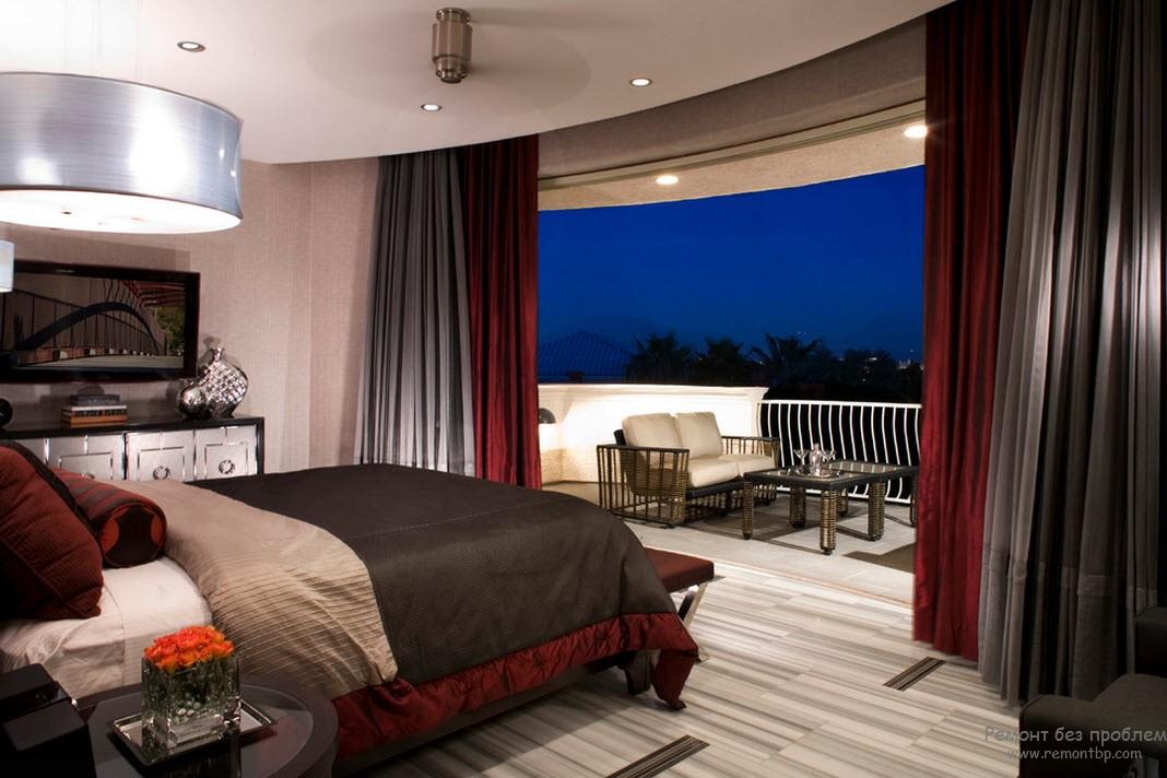 Спальня с бордово-коричневым сочетанием
