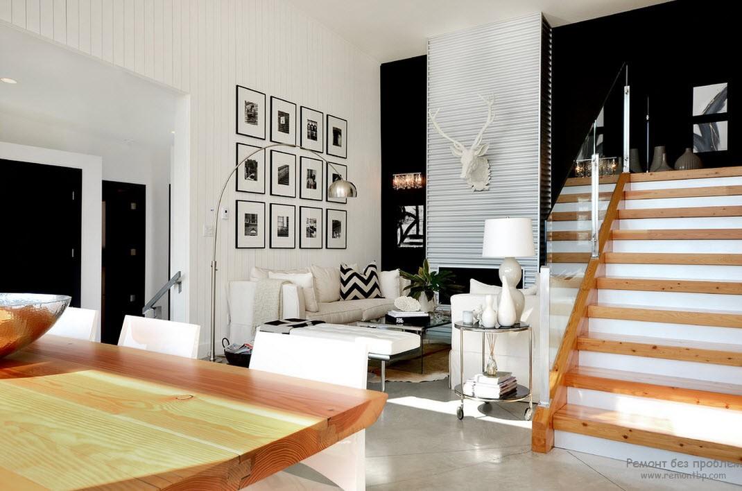 Екзотика і кантрі в чорно-білій вітальні