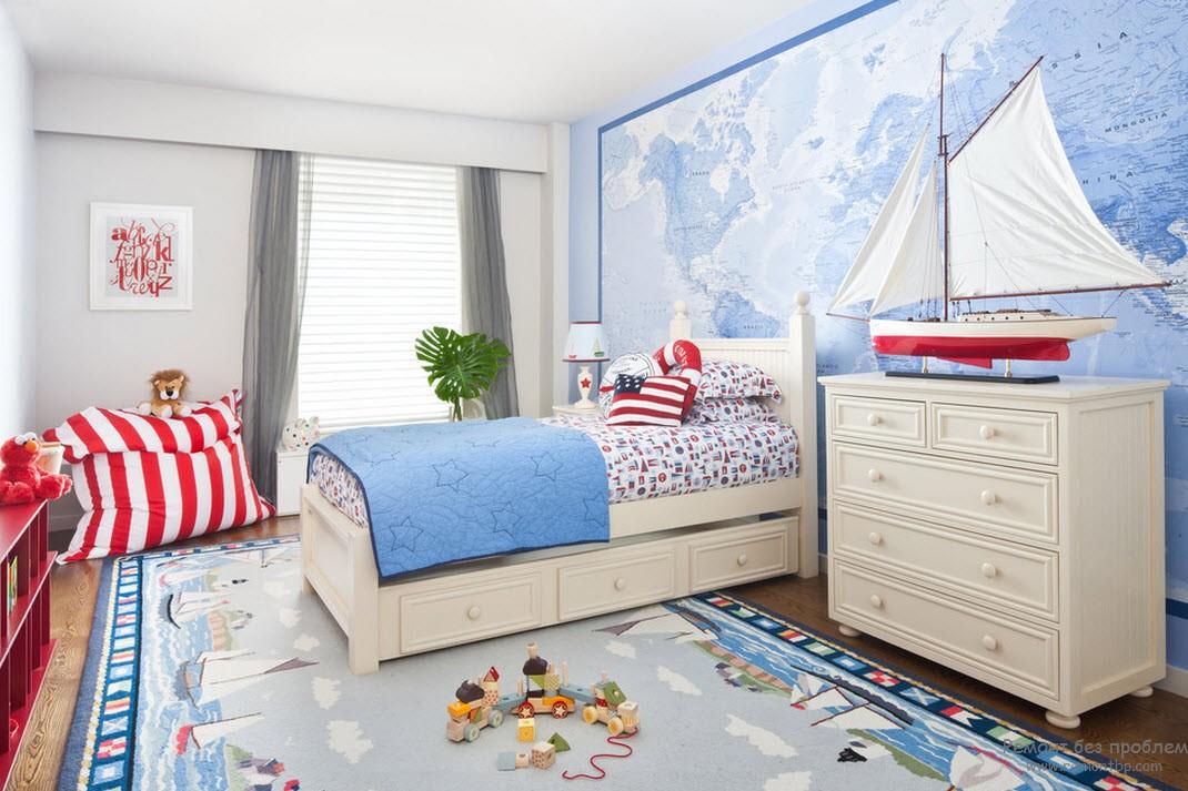 Интерьер комнаты для мальчика, тяготеющего к морским видам техники