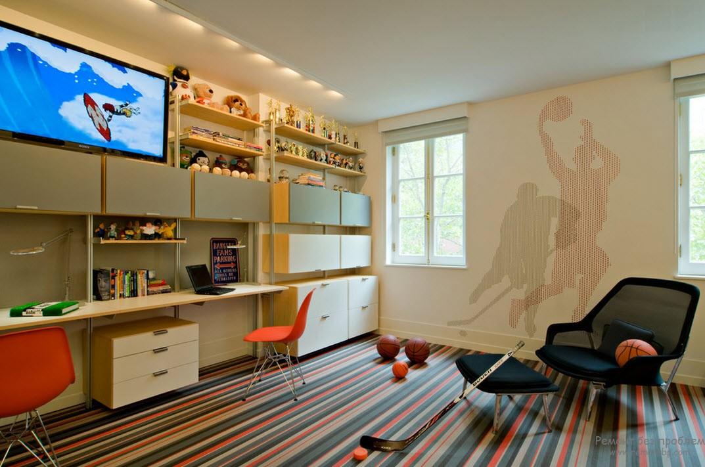 Просторный и светлый дизайн комнаты поклонника хоккея