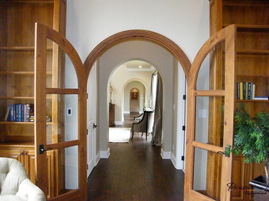 Распашные двустворчатые двери