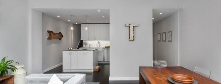 Дизайн светло-серой гостиной в современном стиле