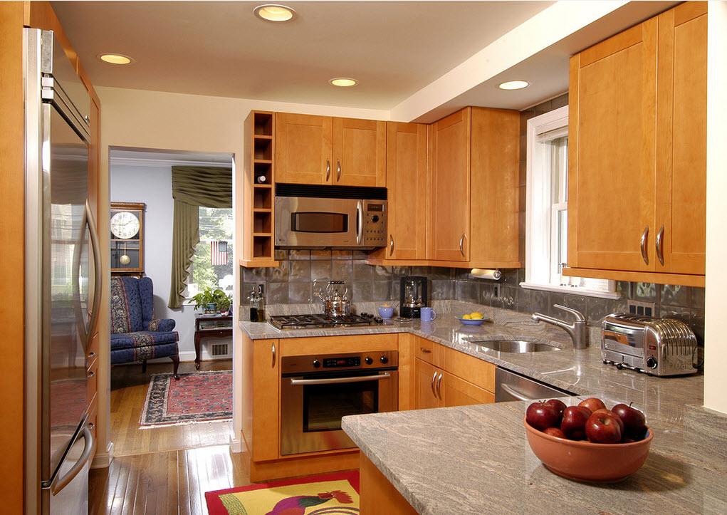 Благородная классика в интерьере небольшой кухни
