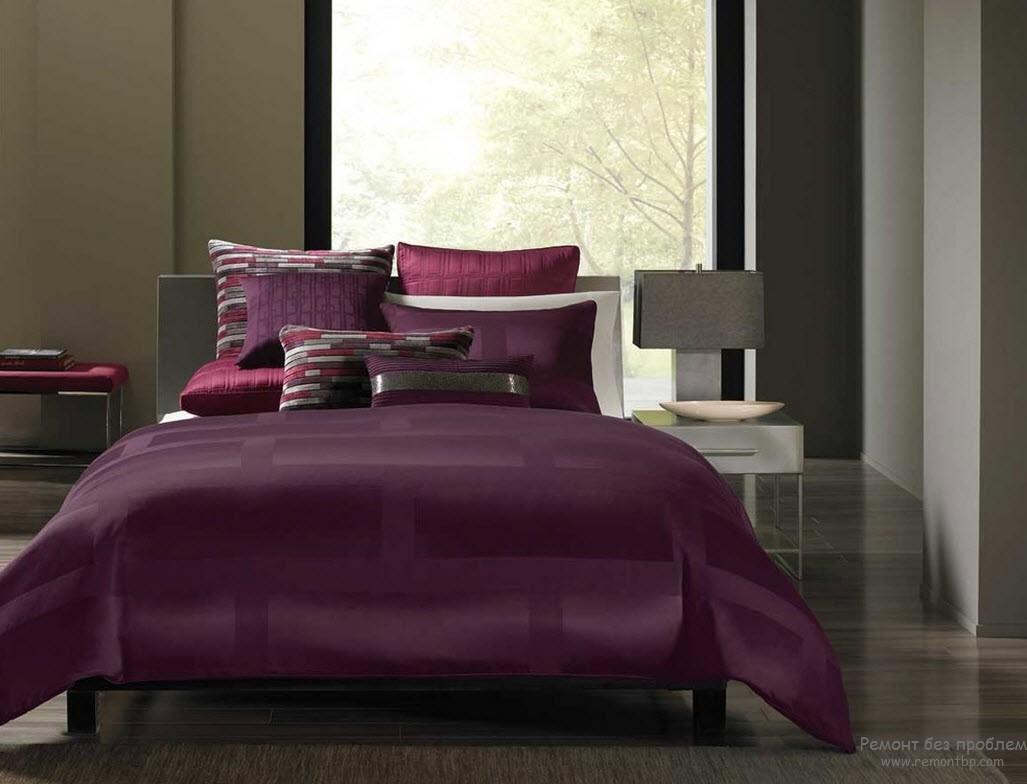 Хай-тек спальня с фиолетовым цветом