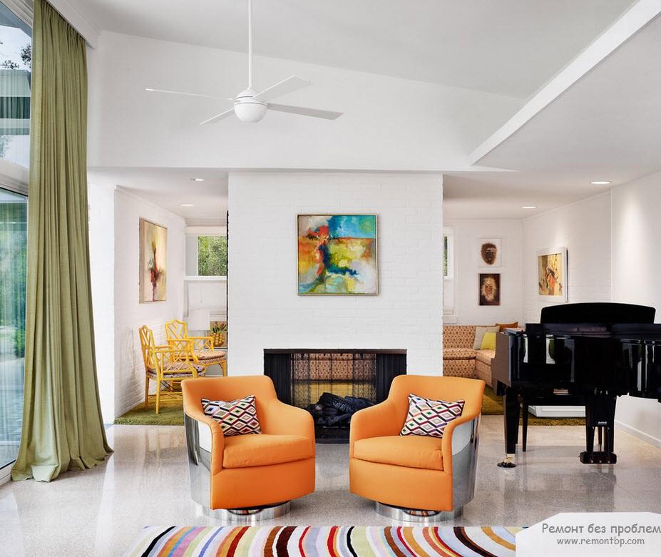 Оанжевые кресла на белом фоне
