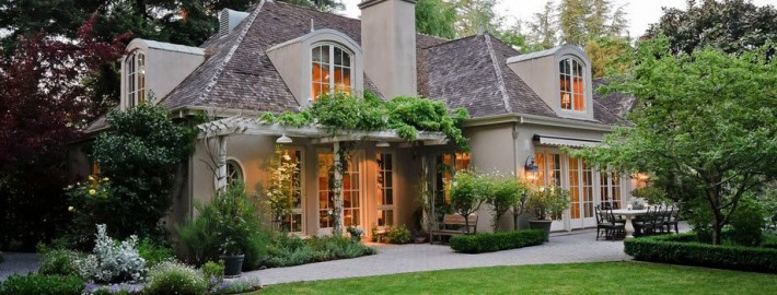Красивый двор частного дома своими руками: как 28