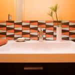 Оранжевый микс в дизайне ванной комнаты