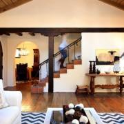Загородный интерьер гостиной