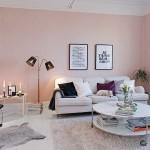 Нежный розовый в интерьере гостиной