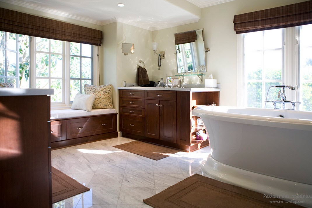 Оттенок молочного шоколада в сочетании с белым и с цветом слоновой кости просто великолепен в интерьере ванной комнаты