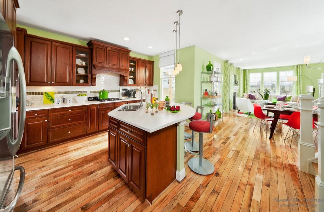 Оформление кухни с нежно салатовыми стенами