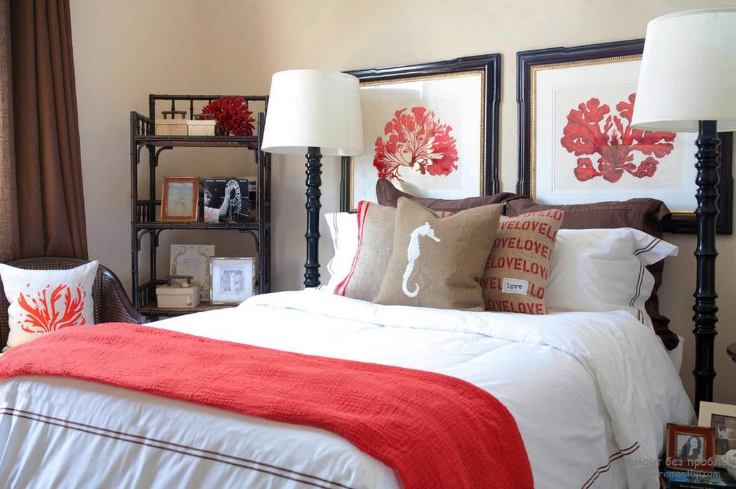 Красный декор в спальне