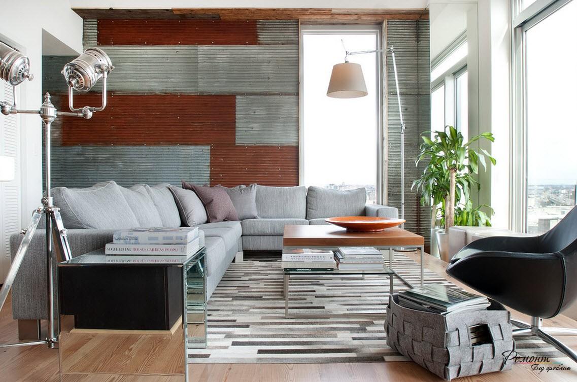 Светлая гостиная с большим диваном