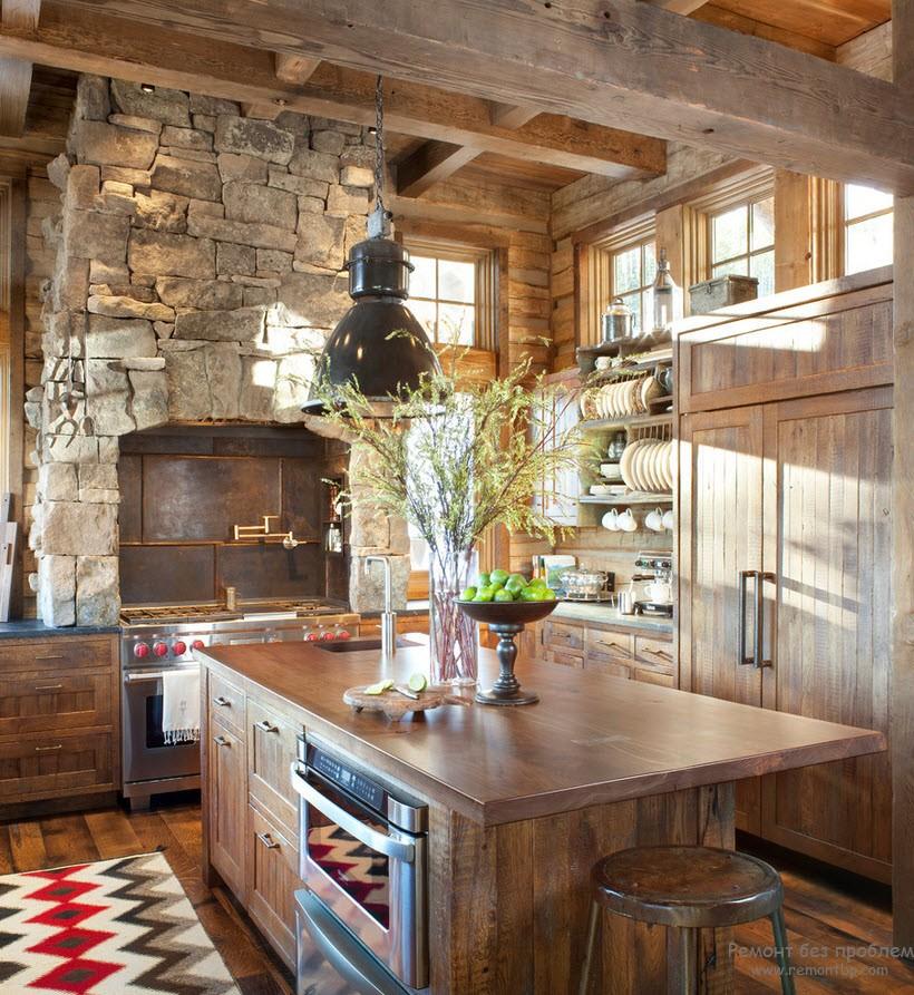 Кухня в стиле кантри – это идеальное сочетание сельской простоты и шика новомодных веяний дизайнерского искусства. Благодаря такому оформлению помещение становится невероятно уютным, эстетичным, выразительным и модным. Такая кухня превосходно подойдет для отдыха от будничных хлопот за чашкой ароматного кофе и для грандиозных веселых посиделок с друзьями и родственниками и будет уместно смотреться как в больших загородных особняках, так и в квартирах стандартной планировки.      Для того чтобы создать интерьер в стиле кантри в первую очередь нужно определиться со стилизацией. И выбор здесь настолько велик, что даже самый переборчивый хозяин сможет подобрать себе идеально подходящий вариант. Это может быть дизайн под старинную русскую избу, тропическую хижину, английский коттедж или швейцарское шале.  Другими словами в стиле кантри может отображаться деревенский стиль любой страны. Особенность такого дизайна заключается в натуральности отделочных материалов и мебели. Здесь приветствуются различные предметы ручной работы, в то время как хромированные и пластиковые предметы совершенно не уместны. Итак, как же создать настоящий стиль кантри?      Отделка  Как и в любом ремонте, работа начинается с отделки поверхностей. Ввиду особенностей стиля здесь нельзя использовать линолеум, флизелиновые обои, натяжные потолки или пластиковые панели. В приоритете должны оставаться исключительно натуральные материалы. Стоит учесть, что отделка должна максимально соответствовать выбранной тематике стиля кантри.      •Для отделки пола превосходно подойдет керамическая плитка или дерево, фактура и выразительность которого внесет особый шарм в помещение. Деревянную поверхность пола можно вскрыть лаком или состарить.  Превосходно будет выглядеть и имитация камня. •Излюбленный прием дизайнеров в оформлении потолка – имитация деревянных балок, досок и бревен. Наиболее простой вариант отделки – оштукатуривание и окрашивание водоэмульсионной краской. Для европейской тематики идеально подойдут 