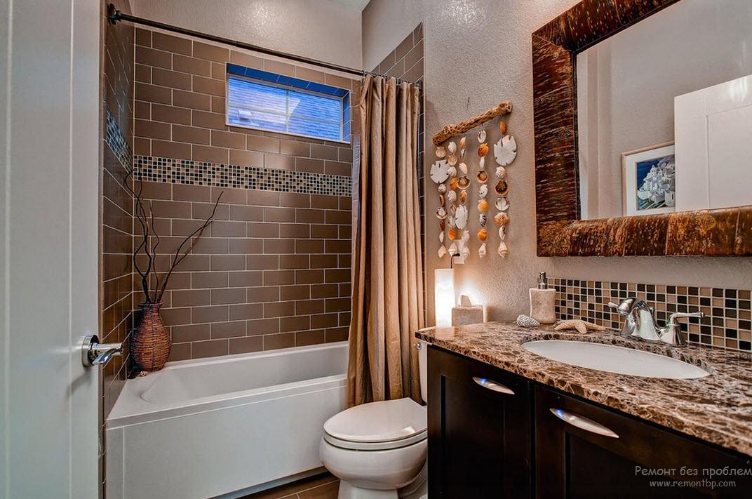 Плитка на стенах ванной комнаты: однотонная и комбинированная