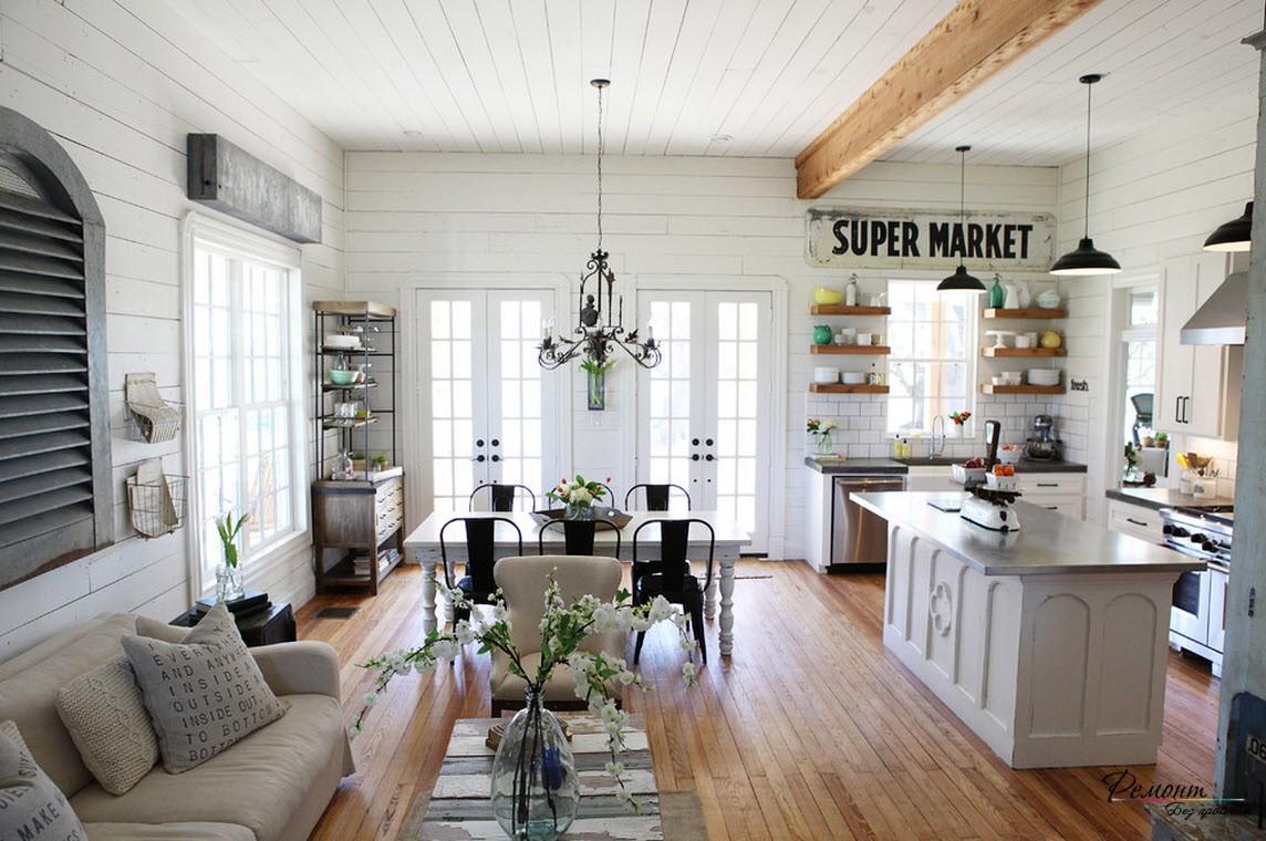Натуральная древесина - прекрасное покрытие для пола гостиной в загородном доме