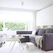 Сиреневй диван в интерьере