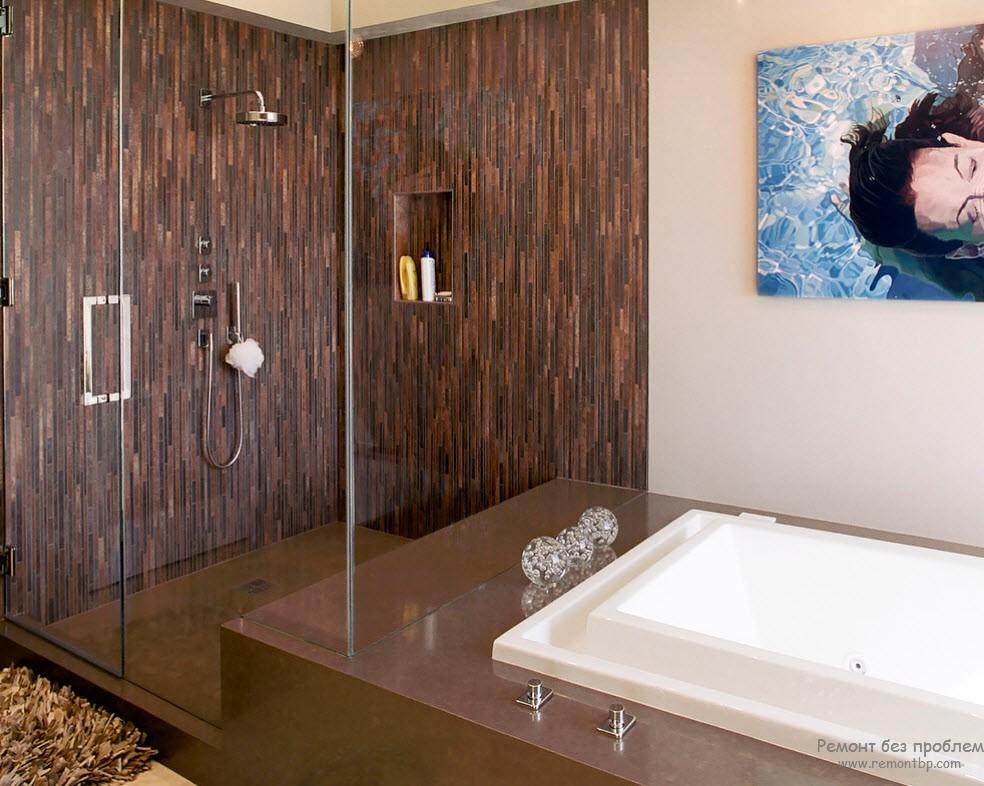 Комбинированный вариант оформления стен ванной комнаты
